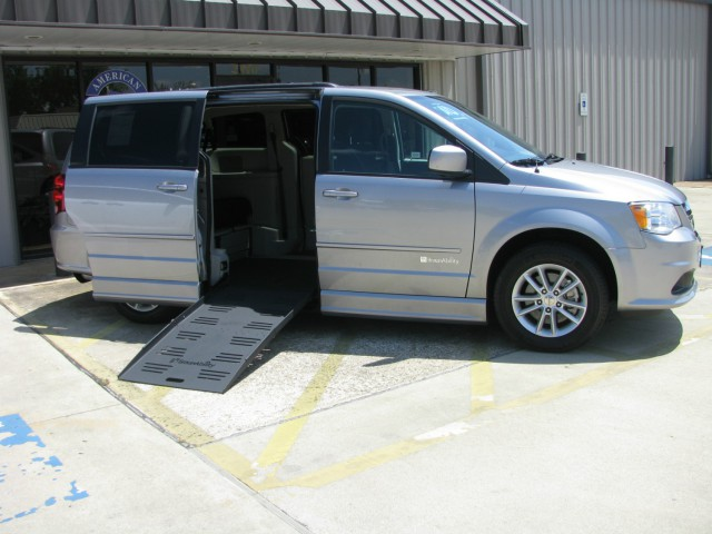 2016 Dodge Grand Caravan BraunAbility Dodge CompanionVanwheelchair van for sale