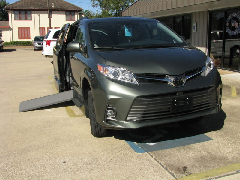 2020 Toyota Sienna VMI Toyota NorthstarAccess360wheelchair van for sale
