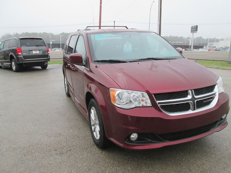 2018 Dodge Grand Caravan BraunAbility Dodge CompanionVan Pluswheelchair van for sale